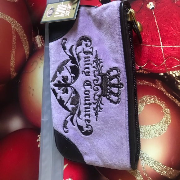Juicy Couture Handbags - Juicy Couture wristlet